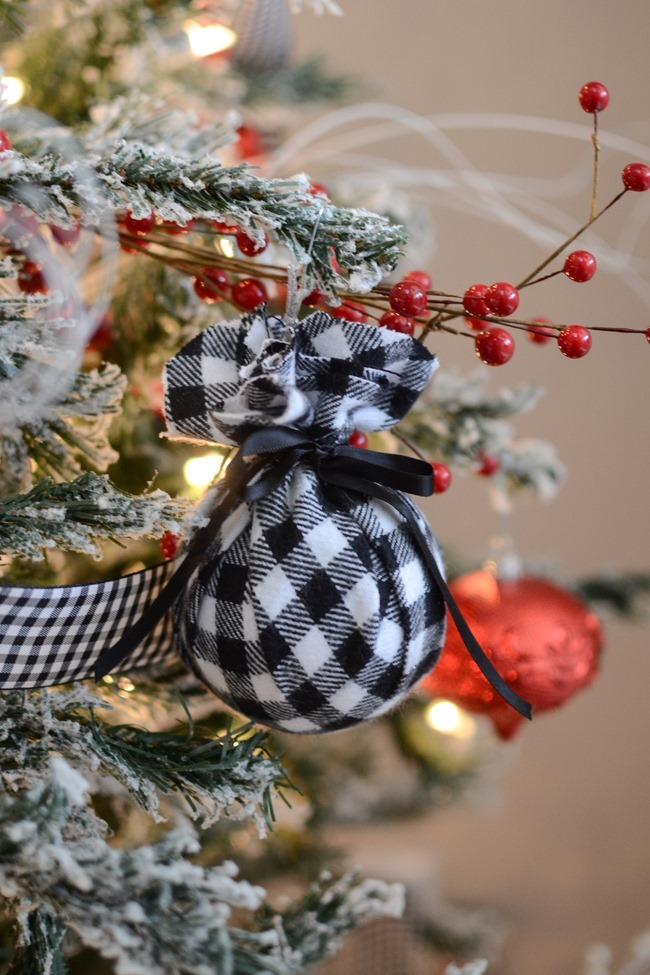 DIY Christmas flannel plaid ornaments-8