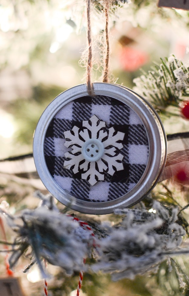 DIY Mason Jar Lid Christmas Ornaments-14