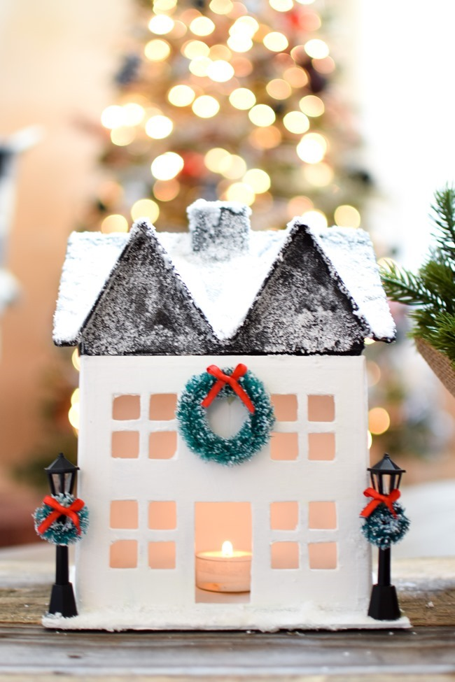 DIY Snowy Christmas Farmhouse_-13