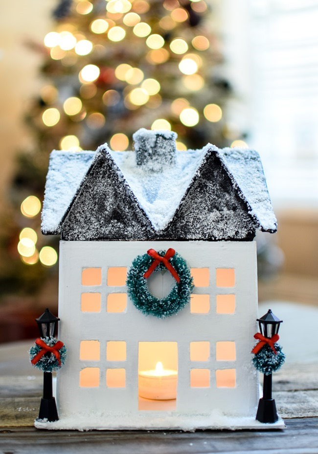 DIY Snowy Christmas Farmhouse_-18