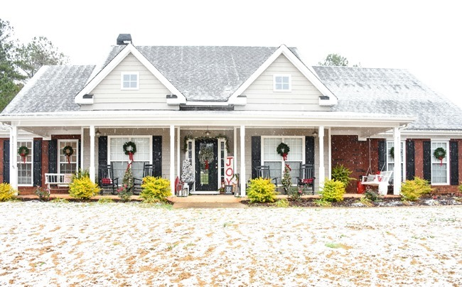 Southern Christmas front porch in the SNOW!-1