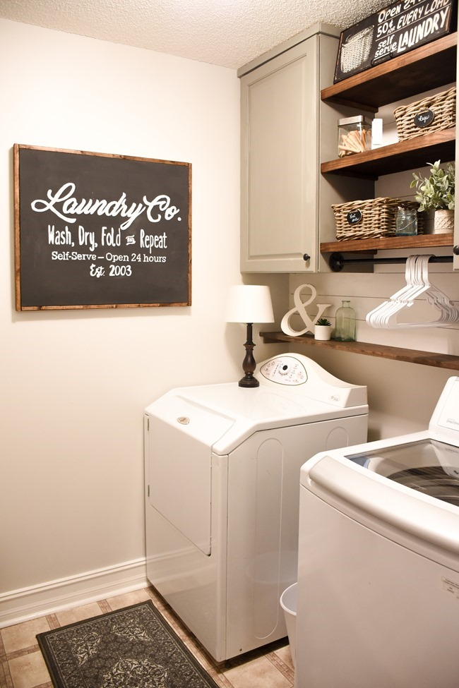 Farmhouse style Laundry room makeover (for under $100)-1