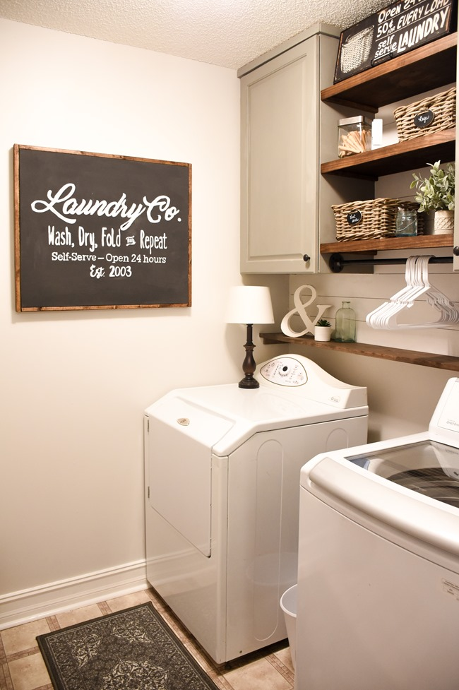 Farmhouse style Laundry room makeover (for less than $100!)