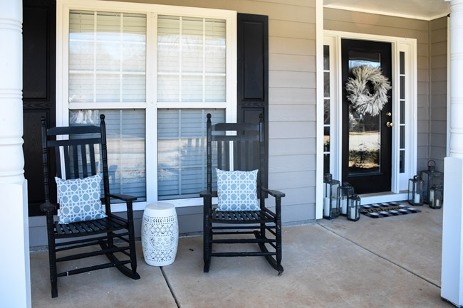 Simple Winter Front Porch-4
