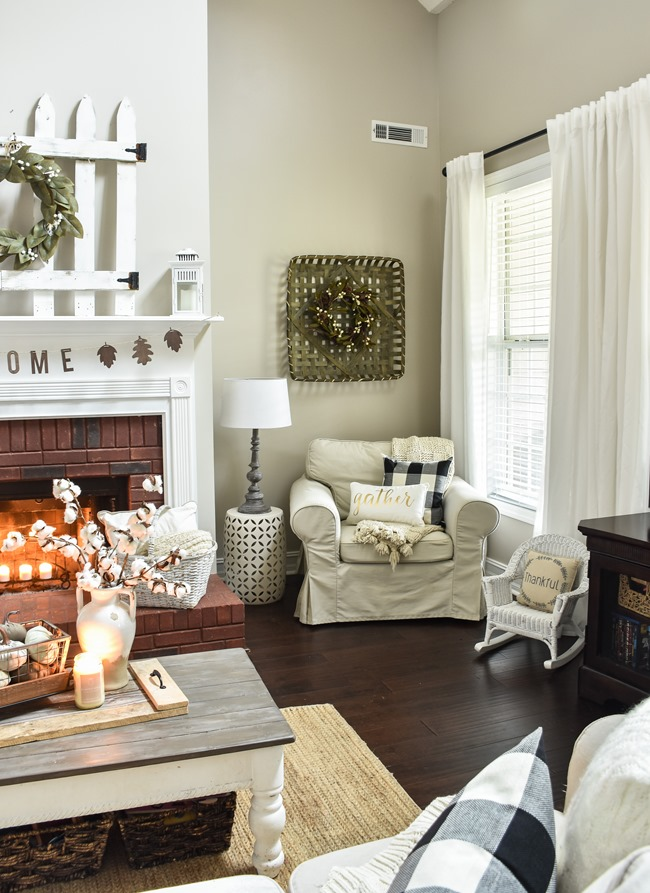 Cozy and Neutral Farmhouse Fall Tour (26 of 35)