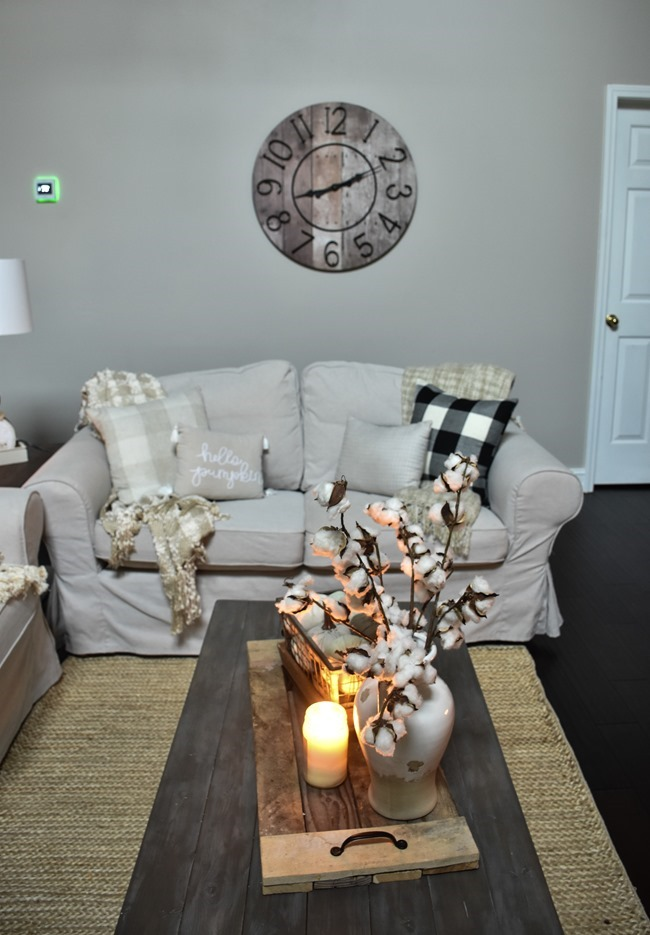 Cozy and Neutral Farmhouse Fall Tour (29 of 35)