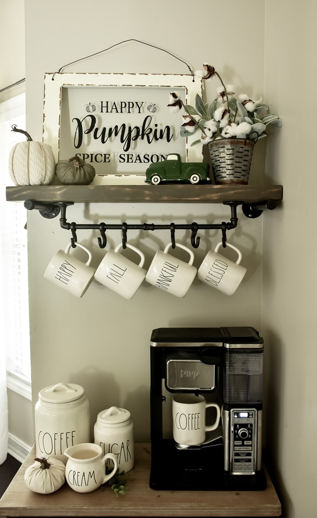 Cozy and Neutral Farmhouse Fall Tour (33 of 35)