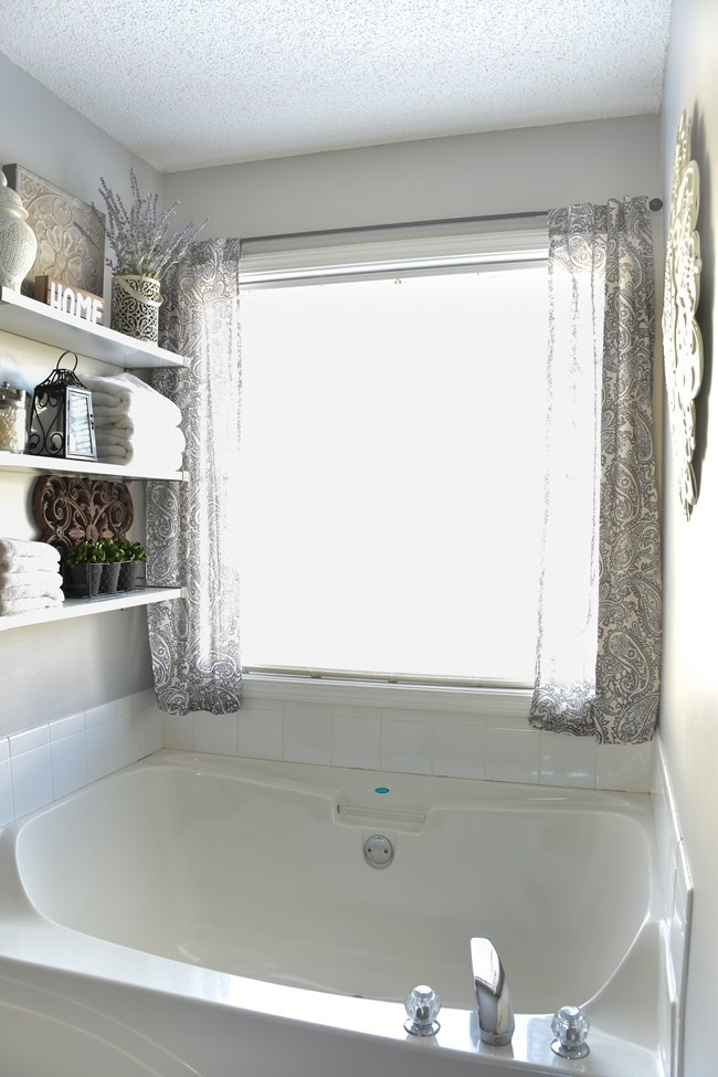 Farmhouse Master Bathroom Makeover done for $100! (8 of 31)