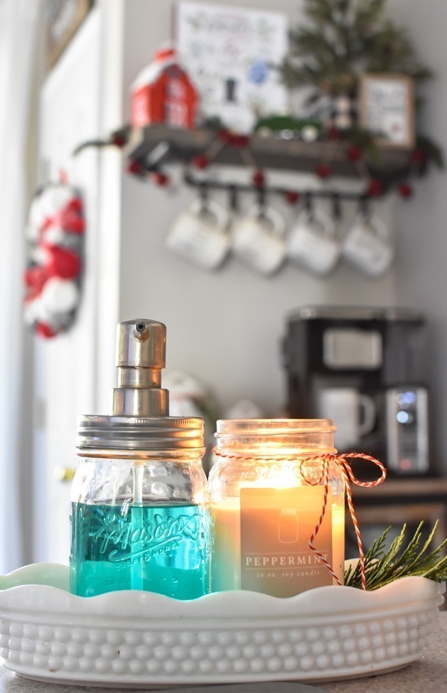Farmhouse Plaid Christmas Home Tour (34 of 43)[3]