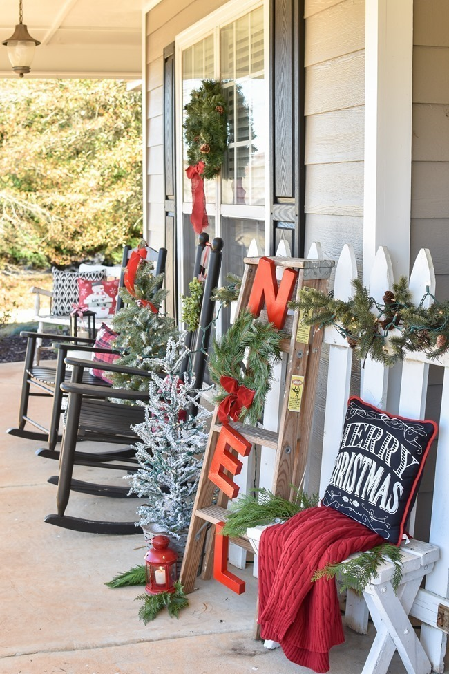 Farmhouse Plaid Christmas Home Tour (9 of 43)[3]