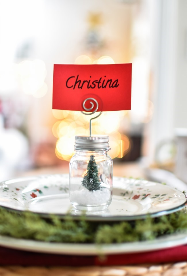 Red Plaid Simple Christmas Table -17