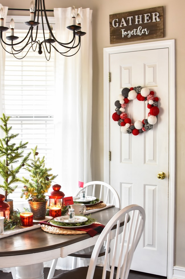 Red Plaid Simple Christmas Table -23