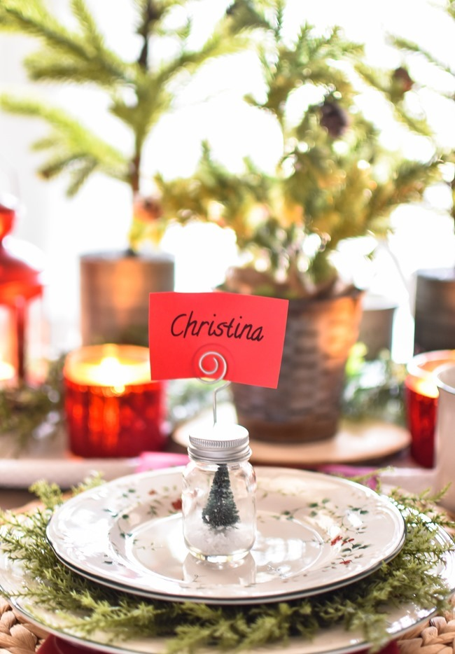 Red Plaid Simple Christmas Table -8