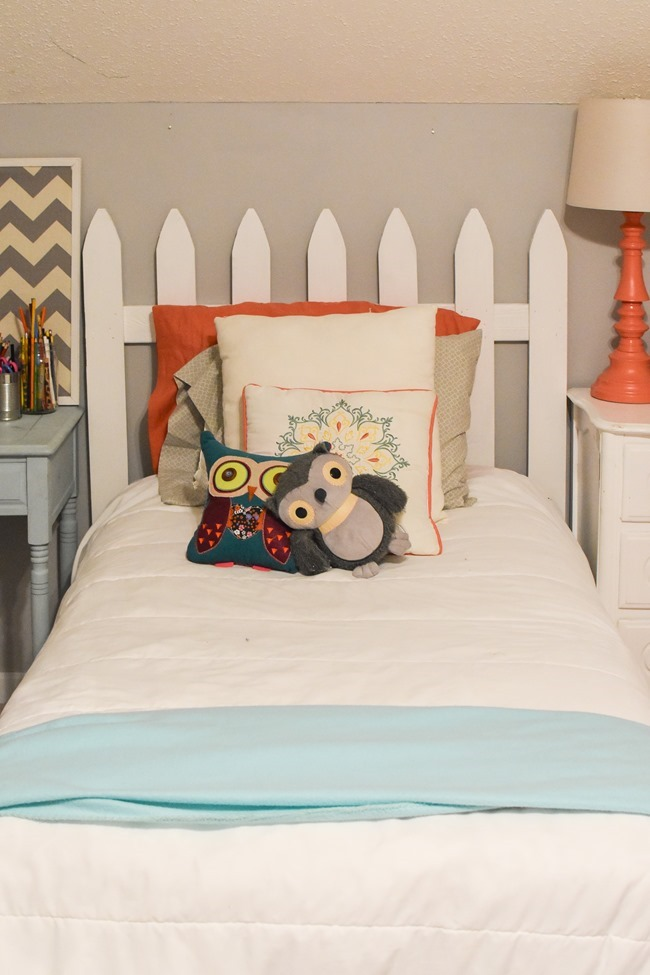 Picket fence headboard-3