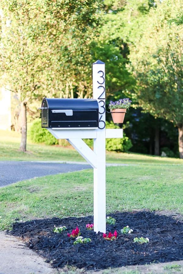 DIY-Mailbox-Makeover-20