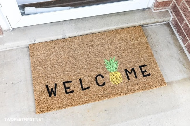 DIY-welcome-pineapple-doormat-3