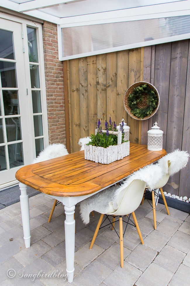 how-to-turn-an-inside-table-into-an-outdoor-table-3