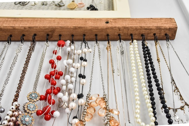 DIY Farmhouse Style Jewelry Organization-8