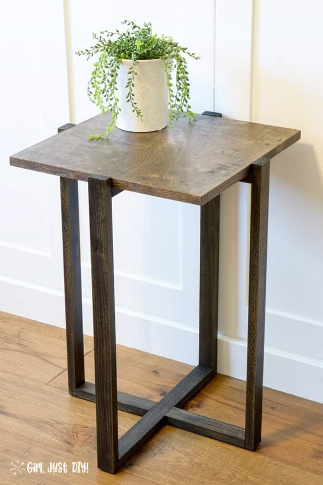 DIY-Modern-End-Table-Finished-Tall-Image_1
