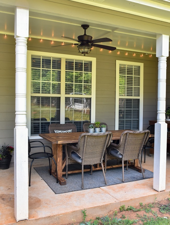 DIY Outdoor Farmhouse Patio Table made with 2x4's-22
