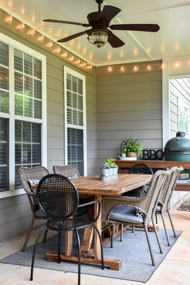 DIY Outdoor Farmhouse Patio Table made with 2x4's-24
