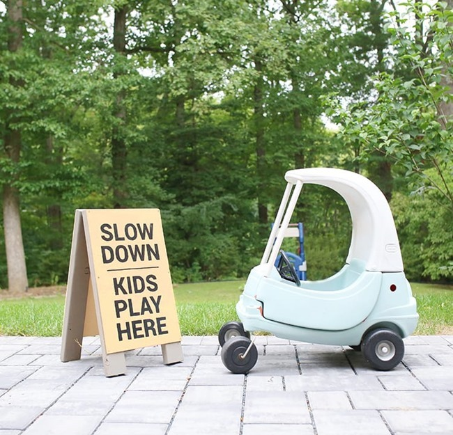 DIY-Slow-Kids-at-Play-Sign