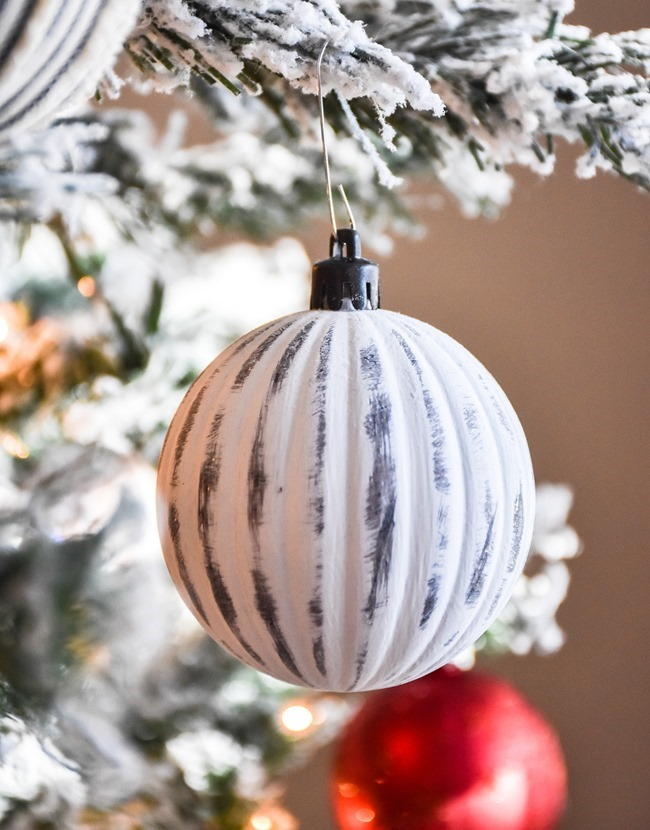 DIY chalk painted distressed Christmas ornaments-5