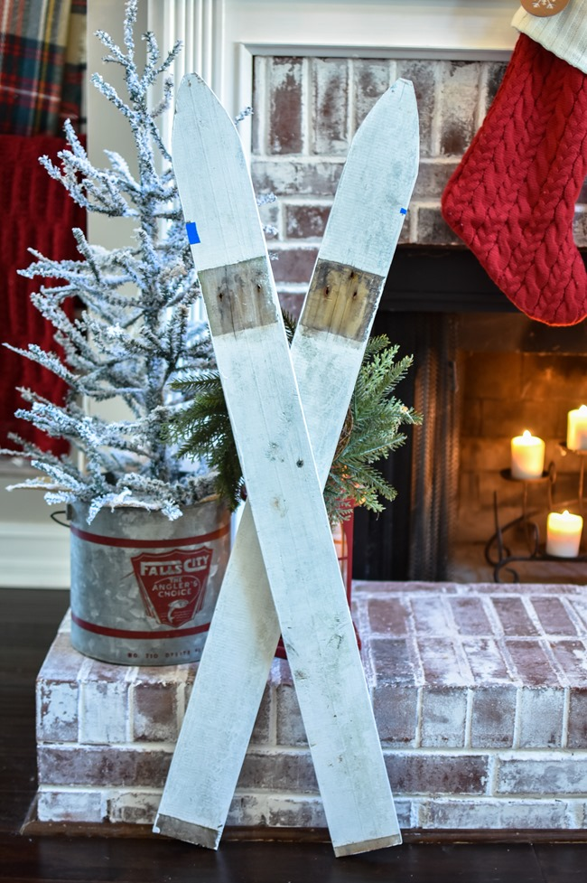 DIY Ski decor made from fence pickets - 2