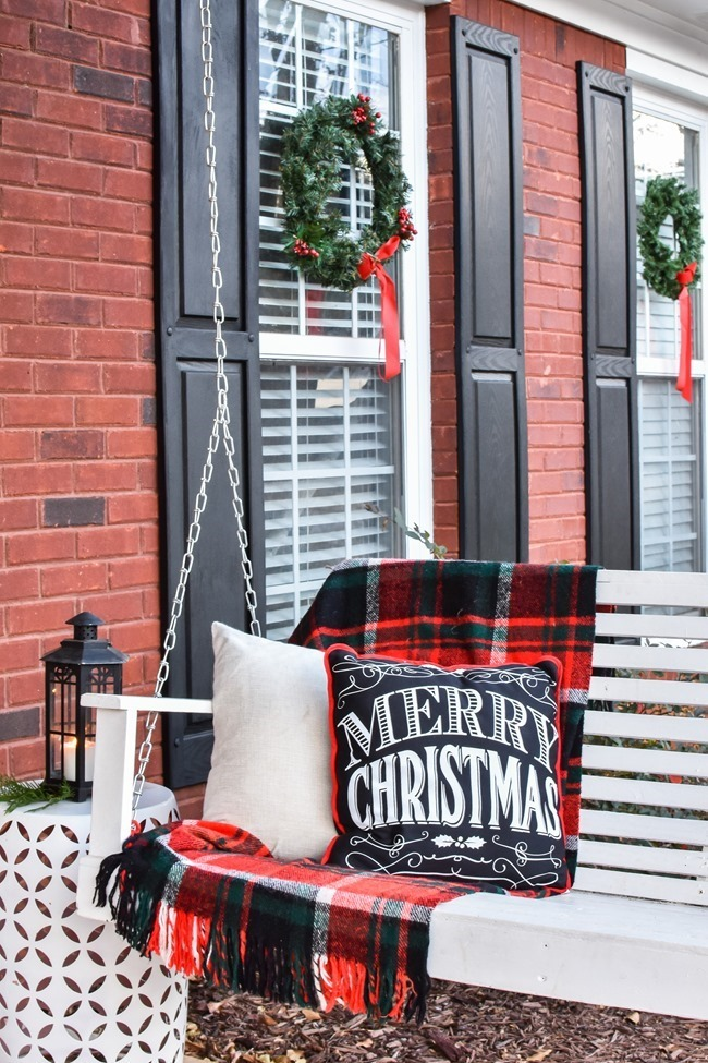 Ski Lodge Inspired Farmhouse Christmas Front Porch-15[3]