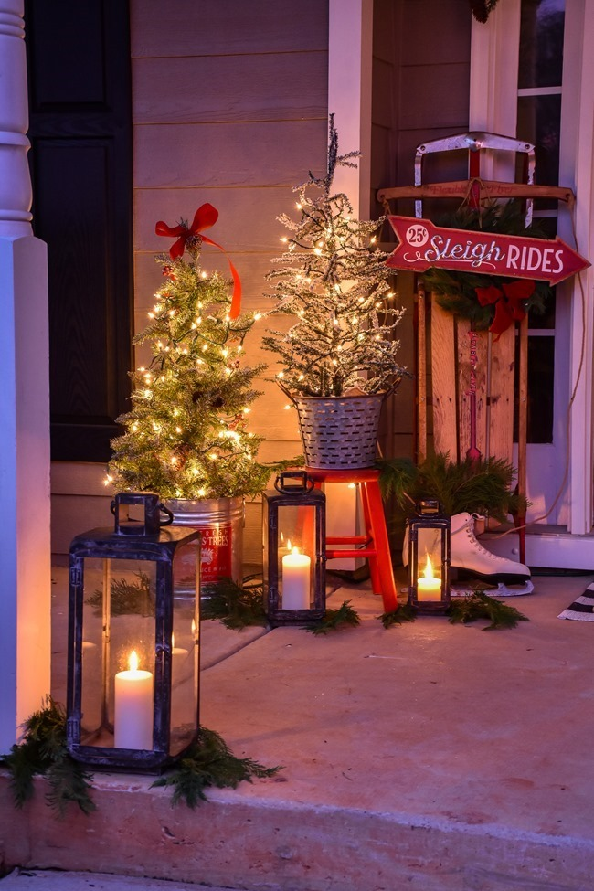Ski Lodge Inspired Farmhouse Christmas Front Porch-23[3]