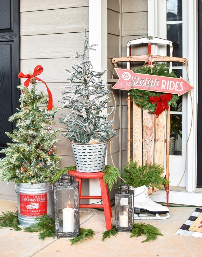 Ski Lodge Inspired Farmhouse Christmas Front Porch-7[3]