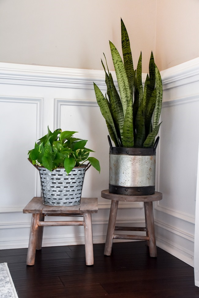 DIY plant stand from upcycled bar stool-3