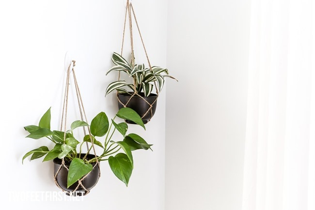 DIY-Hanging-Planter-from-metal-bowl