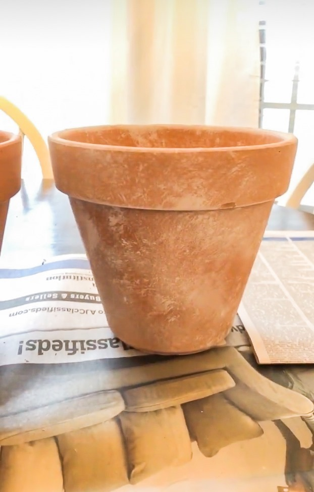 How to age Terra Cotta pots plus a simple spring centerpiece-25