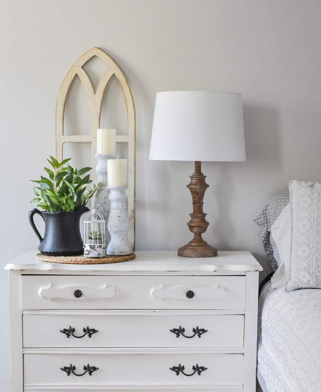 Spring Nightstand decor refresh with Rustoleum spray paint and Joann-1