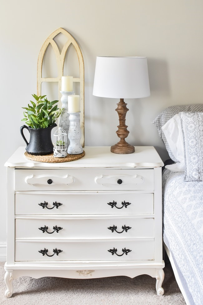 Spring Nightstand decor refresh with Rustoleum spray paint and Joann-9