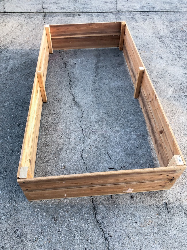 DIY Raised Garden Beds made with cedar fence pickets-3
