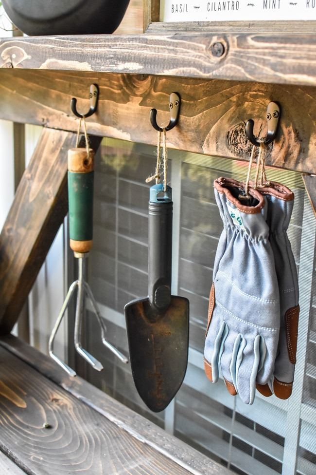 DIY Farmhouse Potting Bench-11