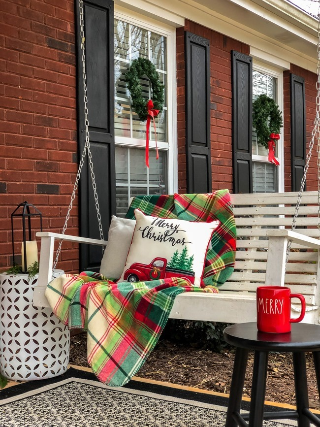 Classic Christmas front porch -20