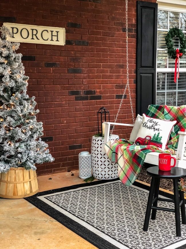 Classic Christmas front porch -24