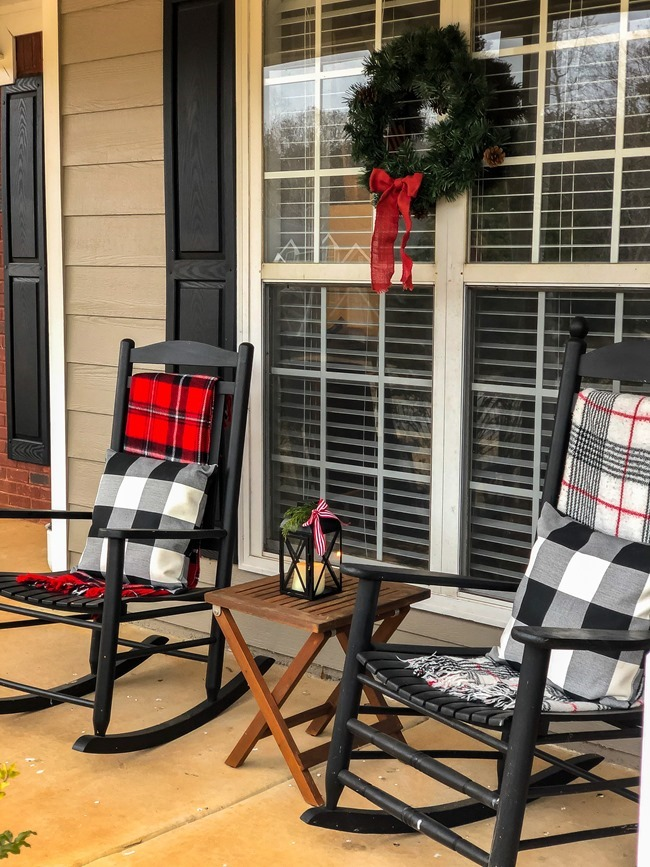 Classic Christmas front porch -26