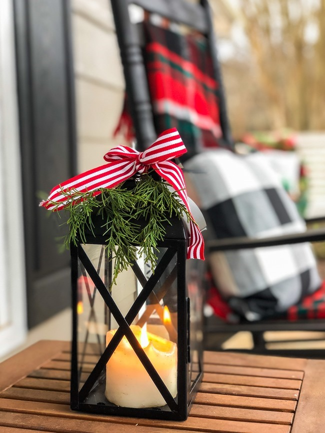 Classic Christmas front porch -35