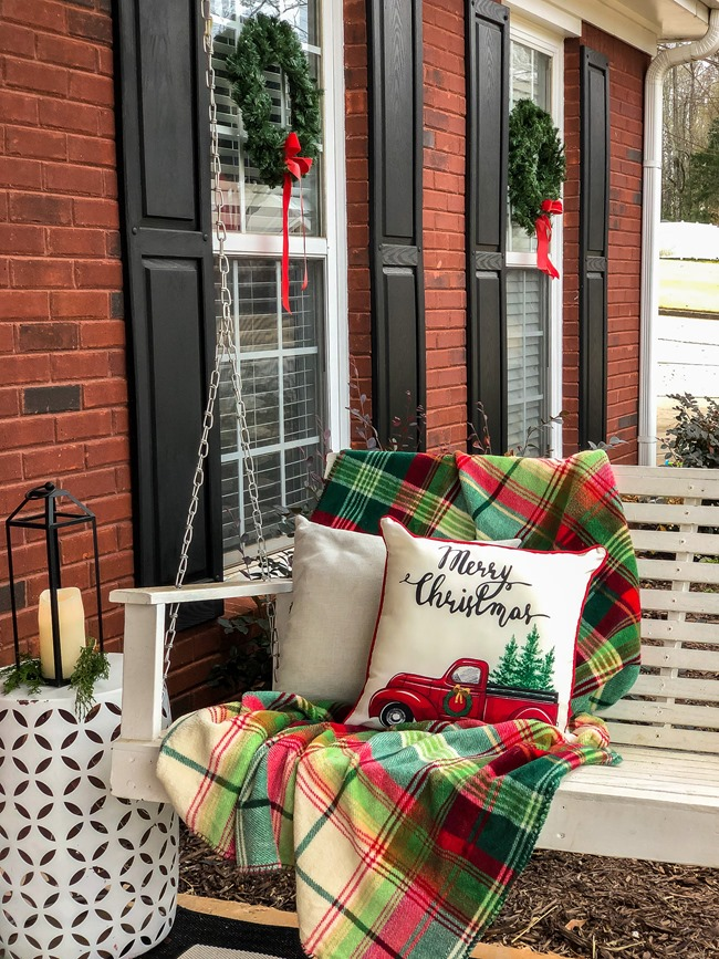 Classic Christmas front porch -36
