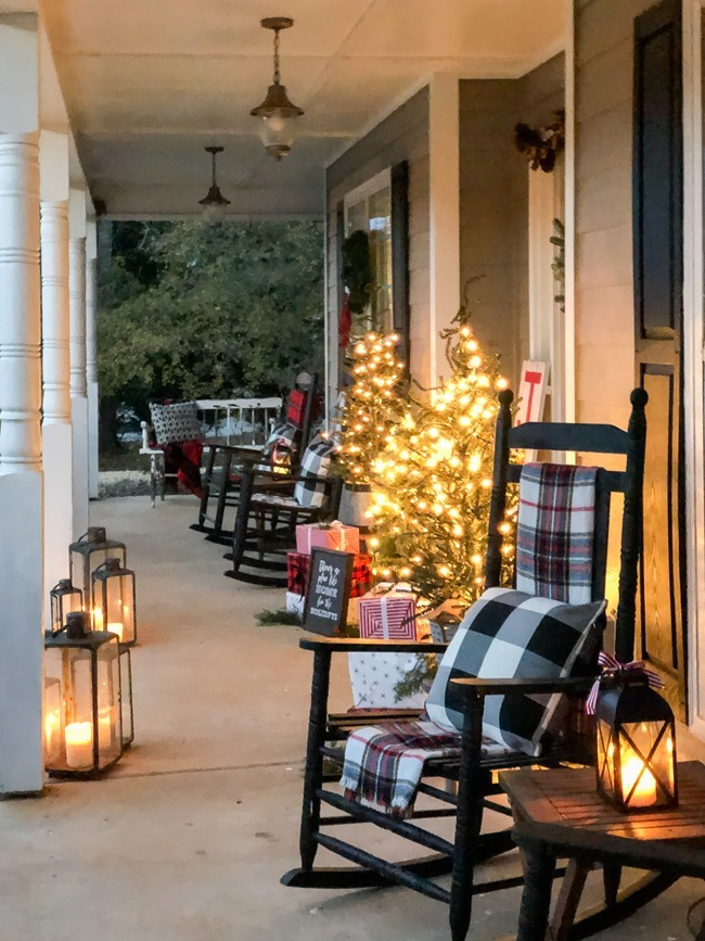 Classic Christmas front porch -67