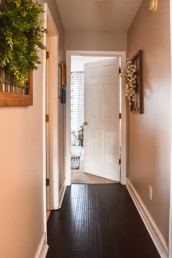$100 room makeover hallway before-3