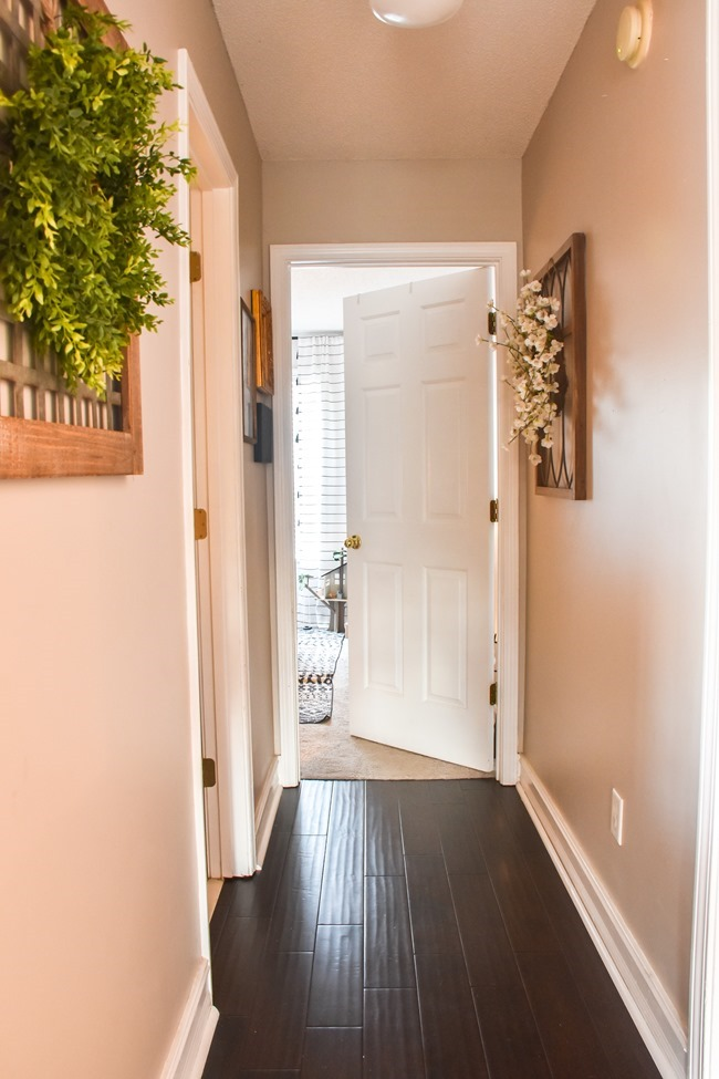 $100 room makeover hallway before-4