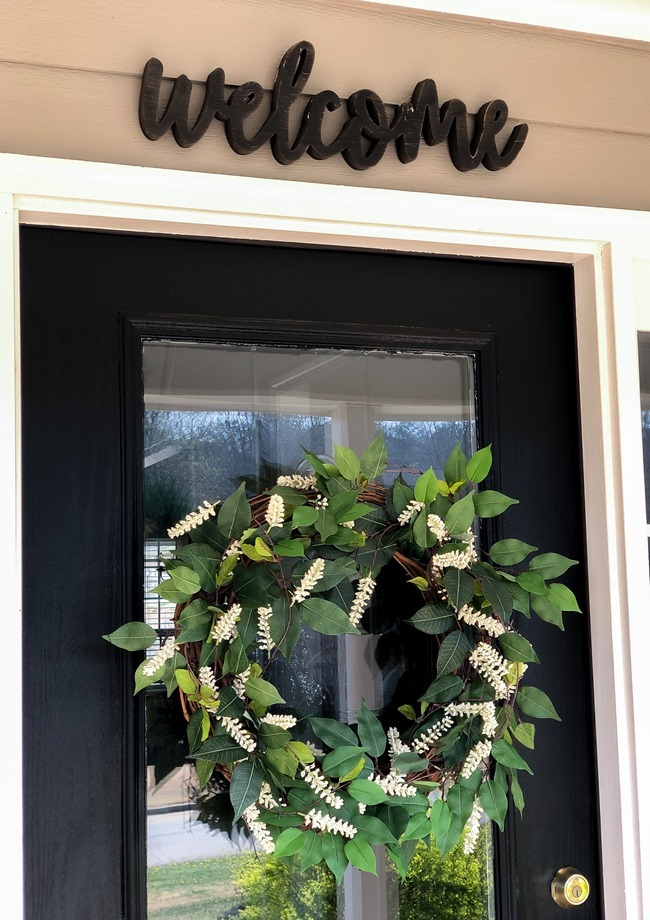 Green and White DIY Simple Spring Wreath-8