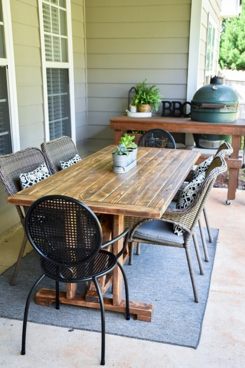 Diy Farmhouse Outdoor Patio Table Made With 2 4 S For Less Than 60 The Frugal Homemaker